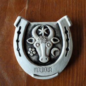 Pottery souvenir Horseshoe with buffalo head