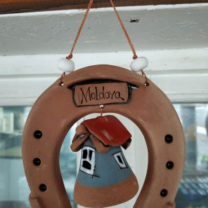 Pottery souvenir Horseshoes and bell 1