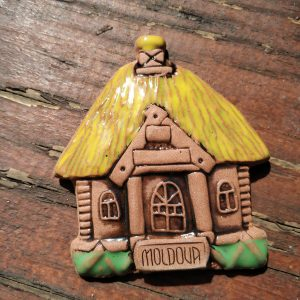 Pottery souvenir Yellow roof house