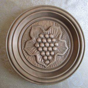 Wooden decorative plates
